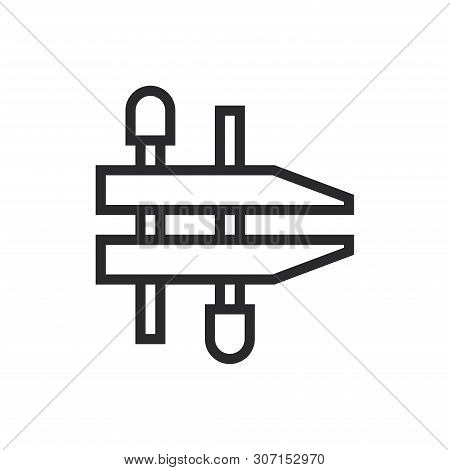 Clamp Icon Isolated On White Background. Clamp Icon In Trendy Design Style For Web Site And Mobile A