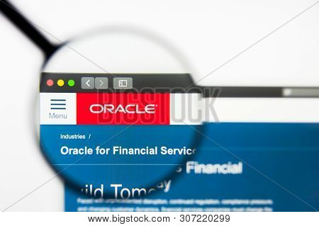 New York, New York State, Usa - 18 June 2019: Illustrative Editorial Of Oracle Financial Services So