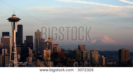 Seattle Space Needle And Mt. Rainier V1
