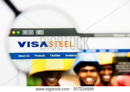 New York, New York State, Usa - 19 June 2019: Illustrative Editorial Of Visa Steel Website Homepage.