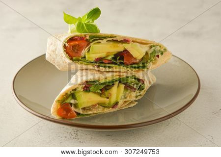 Wraps, Torttila. Avocado Vegan Wrap Sandwiches Healthy Food