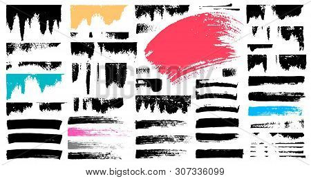 Set Stroke Spot Blod. Brush, Pen, Marker, Chalk. Blck White. Vector Distressed Grunge Modern Texture