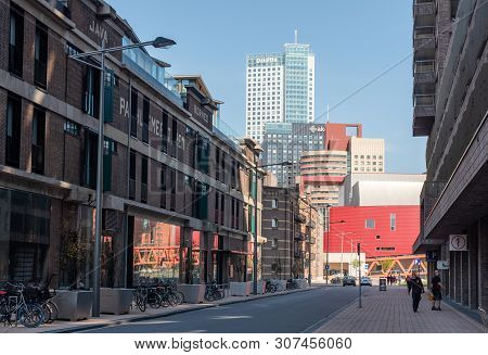 Rotterdam, Netherlands - April 18, 2019 : Street With Ancient Dutch Buildings Against Modern Skyscra