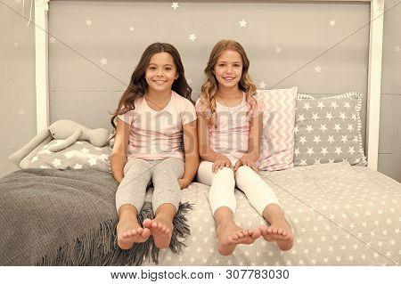 Sisters Older Or Younger Major Factor In Siblings Having More Positive Emotions. Benefits Having Sis