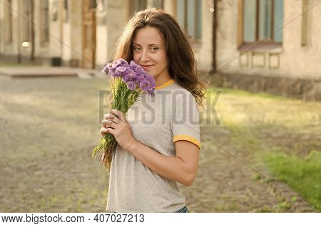 Make Her Happy. Flowers Delivery. Fresh Wildflowers. Flowers Shop. Happy Womens Day. Girl Smiling Ho