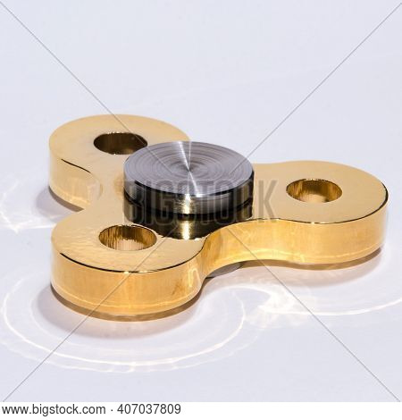 Gold Fidget Spinner To Relax, Relieve Stress, Play