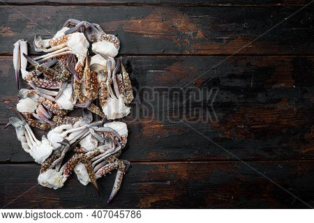 Fresh Blue Swimming Crab Horse Crab, Blue Crab, Flower Crab Claws Set, On Dark Wooden Background, To