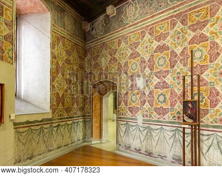 Verona, Italy - September 26, 2015 : The Inner Hall Of The Exhibition In The Castelvecchio Museum Of