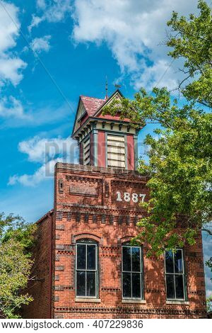 Madison, Georgia Usa - September 17, 2016  The Historic 1887 Building In Downtown Madison, Georgia I