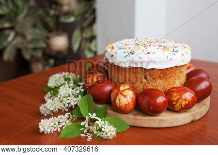 Easter Symbols Food - Easter Cake And Painted Eggs. Easter Orthodox Sweet Bread, Kulich And Colorful