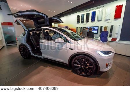 Los Angeles, California, United States Of America - August 21, 2018: : Rear View Of White Tesla Elec