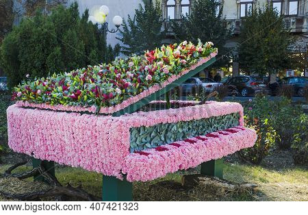 Arad, Romania-06.10.2018: Amazing Piano Musical Instrument Made Out Of Mixed Blossoming Flowers, At