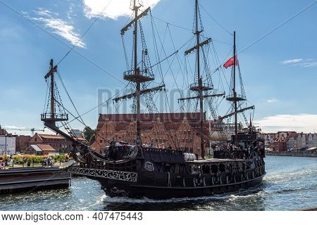 Gdansk, Poland - September 9, 2020: A Replica Of A Galleon As A Cruise Ship On Motława River In Old