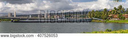 Pearl Harbor, Honolulu, Hawaii, Usa - September 23, 2018: Panoramic Shot Of Uss Bowfin Submarine Doc