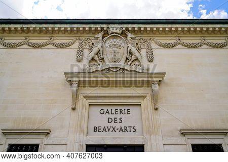 Bordeaux , Aquitaine France - 02 05 2021 : Galerie Des Beaux-arts Text On Building Facade Fine Arts