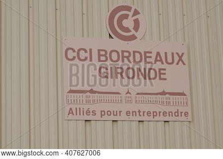 Bordeaux , Aquitaine France - 02 05 2021 : Chambre De Commerce Et D'industrie Cci  Logo And Sign Tex