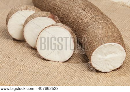 Manihot Esculenta (yuca, Manioc, Guacamota) Cassava Raw Tuber.