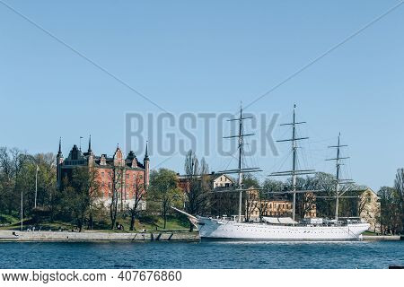 Stockholm, Sweden - May 1, 2019 : Scenic Sunny Day Panorama Of Stockholm City. City Quay With Passen