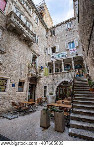 Split, Croatia - Aug 15, 2020: Upward Atrium View In Diocletian Palace In Split Old Town In Croatia