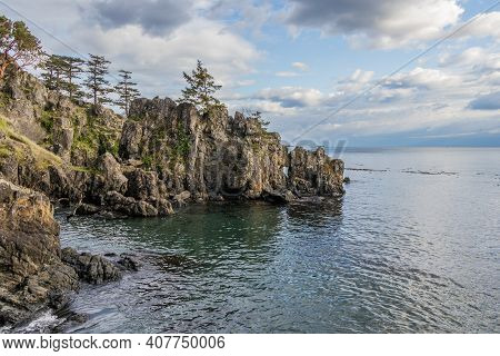 Rugged Rocky Coast On The Pacific Ocean At Creyke Point, East Sooke Provinical Park, British Columbi