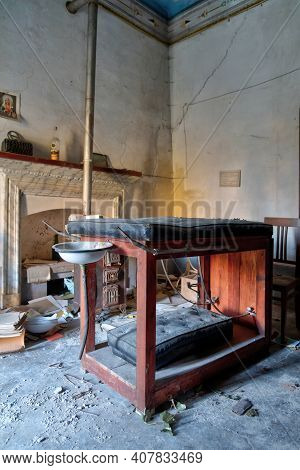 November 2020, Italy. Antique Gynecological Table, Found In An Abandoned House Of An Old Country Doc