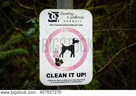 New Galloway, Scotland - December 21st 2020: Warning Sign Of No Dog Fouling By Dumfries And Galloway