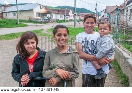 5-16-2018. Lomnicka, Slovakia. A Close-up Of A Roma Or Gypsy Woman In An Abandoned Community In The
