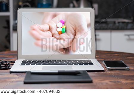 Image Of Pills On A Female Palm. The Concept Of Medicine, Health Care, Vitamins.