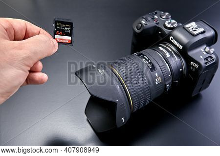 St. Petersburg, Russia - January 9, 2021: Memory Cards For Canon Eos R6 Need To Be At Least Uhs-i/uh