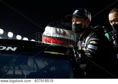 February 10, 2021 - Daytona Beach, Florida, USA: Kyle Larson (5) gets ready to qualify for the Daytona 500 at Daytona International Speedway in Daytona Beach, Florida.