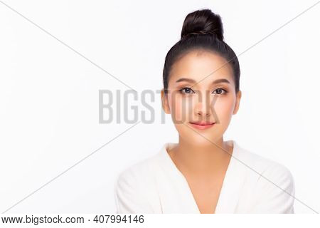Happy Beauty Asian Woman Has Beauty Facial Skin And Heathy Skin Portrait Attractive Young Asia Girl