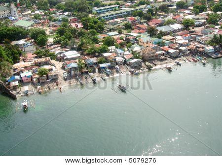 Shoreline At Olongapo