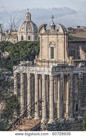 Rome Temple Of Antoninus And Faustina 02