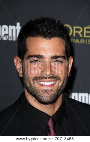 LOS ANGELES - AUG 23:  Jesse Metcalfe at the 2014 Entertainment Weekly Pre-Emmy Party at Fig & Olive on August 23, 2014 in West Hollywood, CA