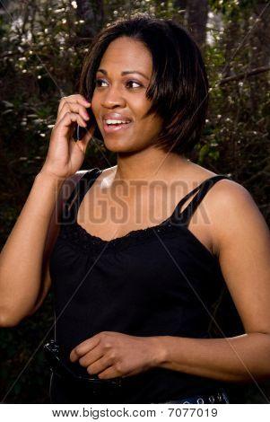 Femme sur le téléphone