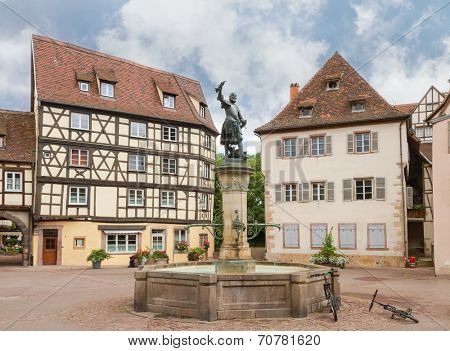 Fountain with a bronze statue of Lazare de Schwendi. Colmar, France