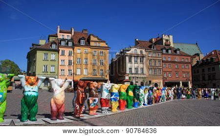 Warsaw old town with unesco united bears