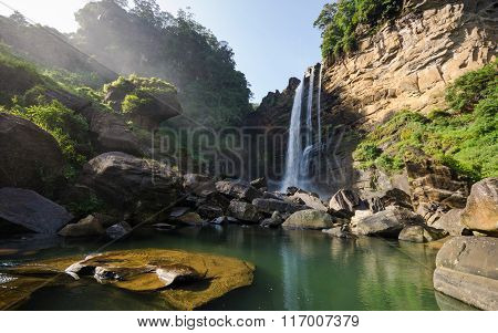 Laxapana Falls , Sri Lanka
