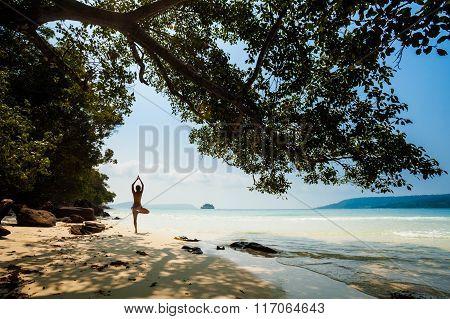 Summer yoga session in beautiful tropical island