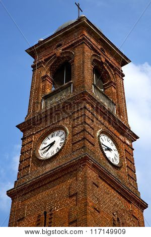 Santo A  And Church Tower  Sunny