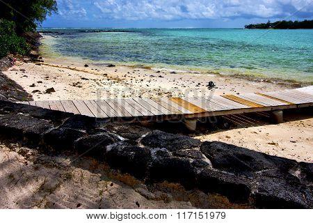 Pier Blue Bay Foam Footstep Indian