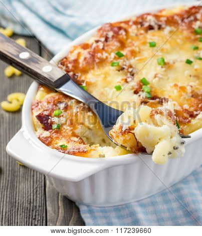 Bacon Lovers Mac And Cheese In Baking Dish