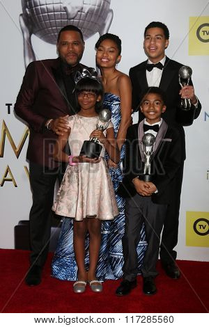 LOS ANGELES - FEB 5:  Anthony Anderson, Yara Shahidi, Marcus Scribner, Miles Brown, Marsai Martin at the NAACP Image Awards at the Pasadena Civic Auditorium on February 5, 2016 in Pasadena, CA