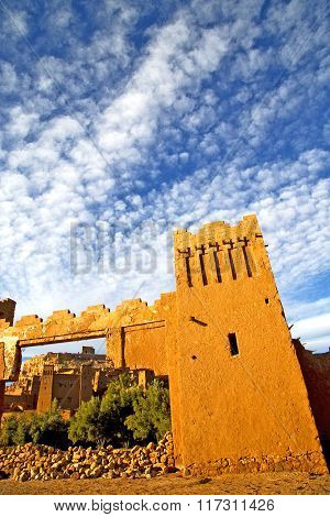 Africa  In Histoycal Maroc  Old Construction Sky