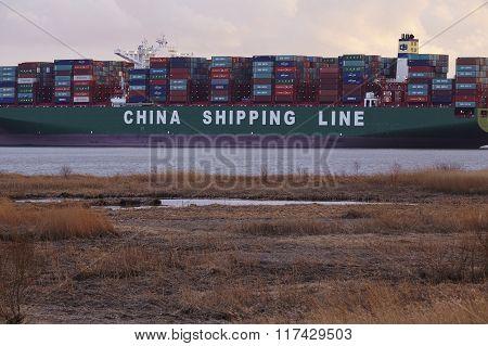Hetlingen (germany) - Container Vessel Lying On Ground Of The Elbe