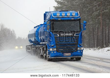 New Blue Scania R580 Tank Truck In Snowfall