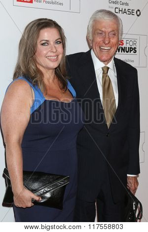LOS ANGELES - FEB 8:  Dick Van Dyke at the 15th Annual Movies For Grownups Awards at the Beverly Wilshire Hotel on February 8, 2016 in Beverly Hills, CA