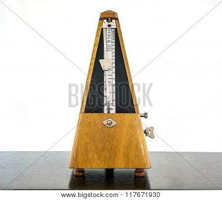 Old Metronome, Instrument
