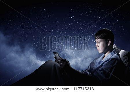 Surfing the Internet before sleep