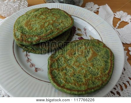 Green nettles pancakes